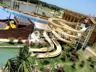 Çin Giant Water Playground Equipment for Aqua Theme Park Customized Water Slide Tedarikçi